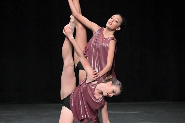 Ballett Akademie Luzern: Contemporary Scene - Duo Red